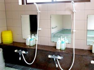 内風呂の洗い場